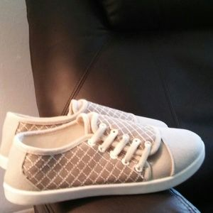 Side lace sneakers